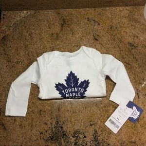 New Maple Leafs Long Sleeve Onesie - 6 Months
